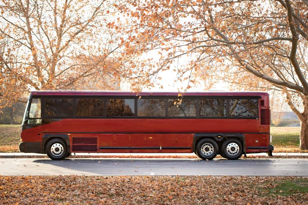 Ambassador Bus (Exterior, Driver's Side, View 2)