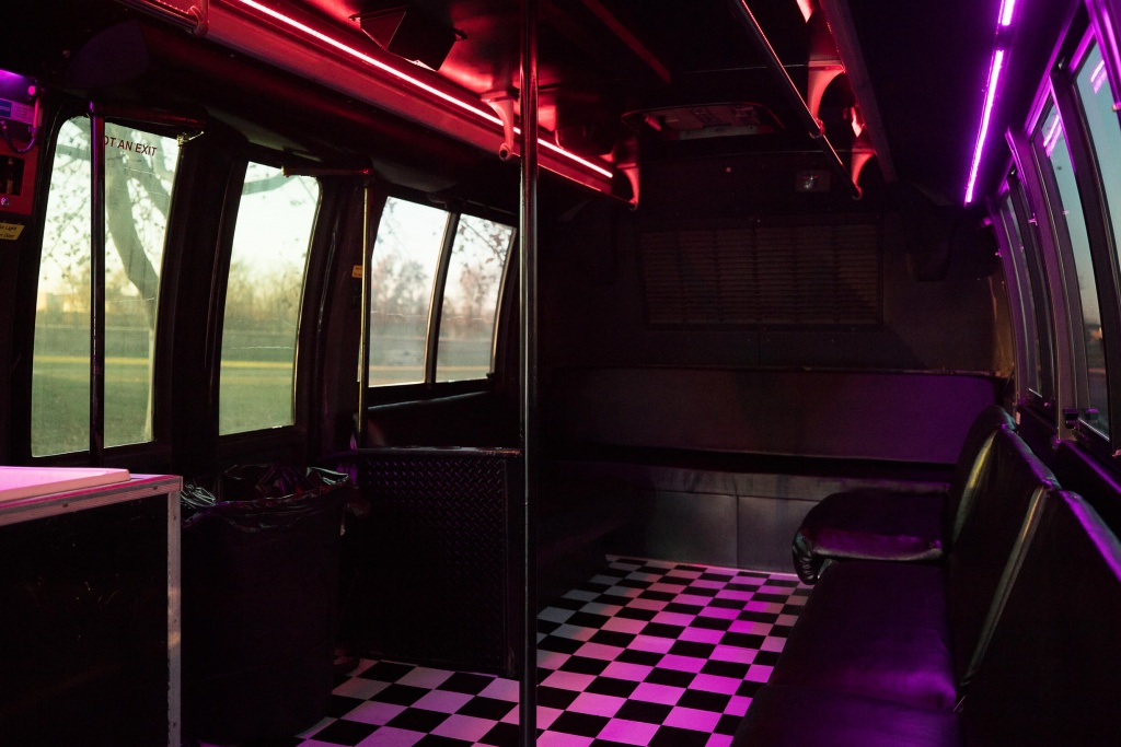 Orange Party Bus (Interior, Rear, Window Lighting)